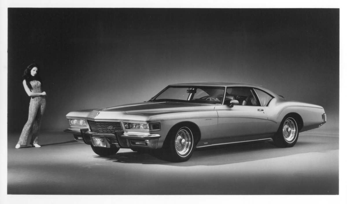 https://www.buick-riviera.com/pictures/promotion%20pictures/silver%20arrow/Silver%20Arrow%20III.jpg